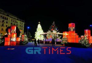 Θεσ/νίκη: Φωταγωγήθηκε το Χριστουγεννιάτικο δέντρο (ΦΩΤΟ-VIDEO)