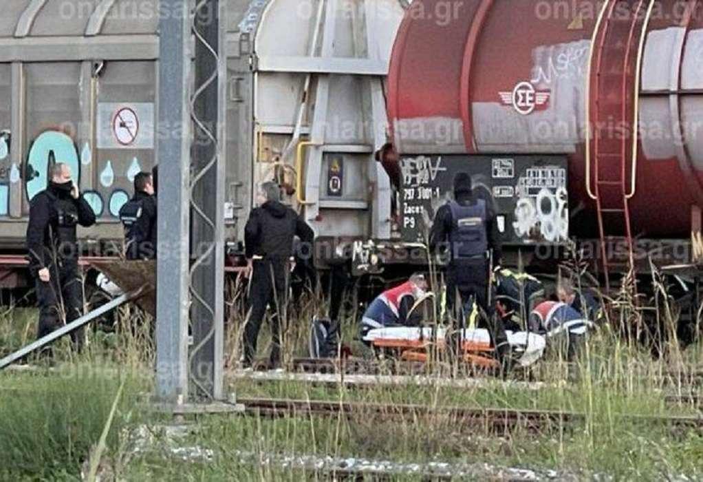 Στη ΜΕΘ 18χρονη που χτυπήθηκε από ρεύμα στις γραμμές τρένου
