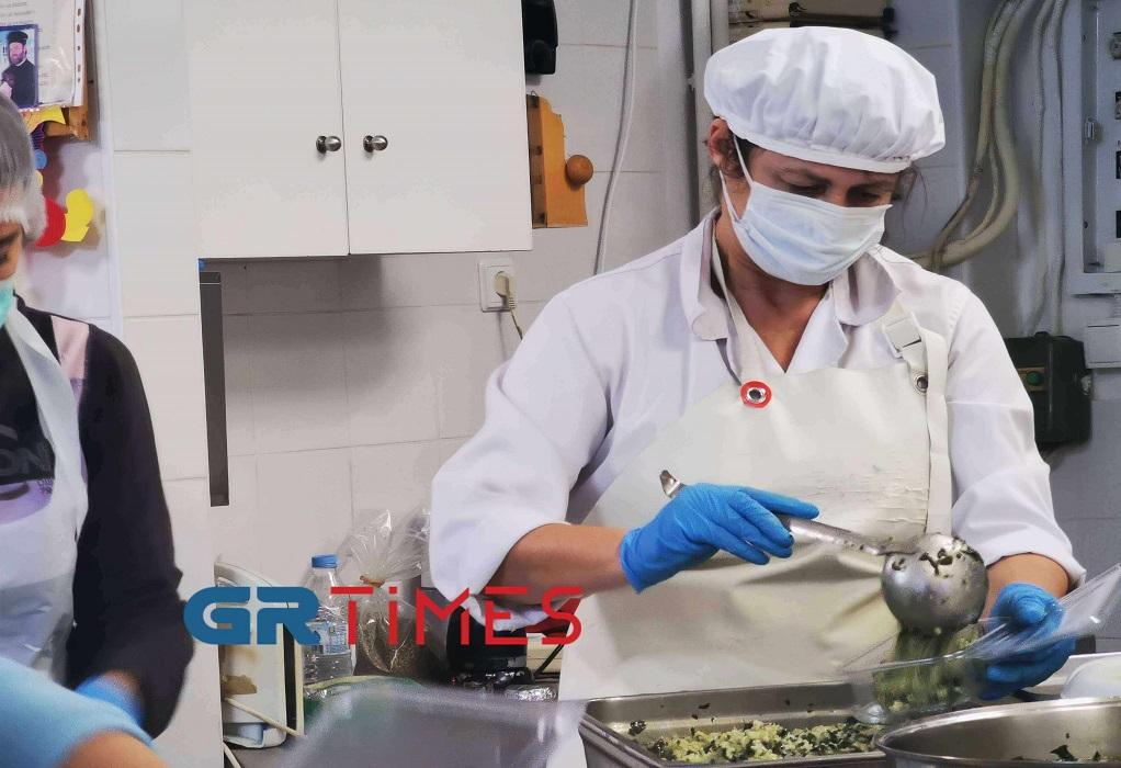 Δ. Θεσσαλονίκης: Μαγειρεύουν σε κουζίνες παιδικών σταθμών για ενίσχυση των συσσιτίων (ΦΩΤΟ +VIDEO), φωτογραφία-2