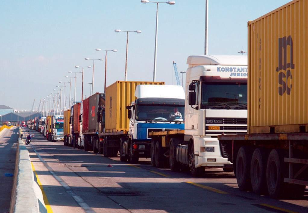 """Θεσσαλία: """"Στοπ"""" στα φορτηγά άνω των 3,5 τόνων στην ΕΟ Λάρισας – Κοζάνης"""