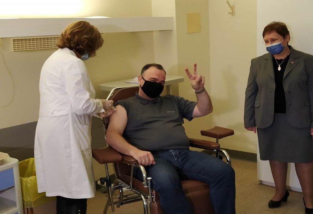 Κορωνοϊός – Εμβόλια: Στις 2 Απριλίου ανοίγει η πλατφόρμα για τους 65-69