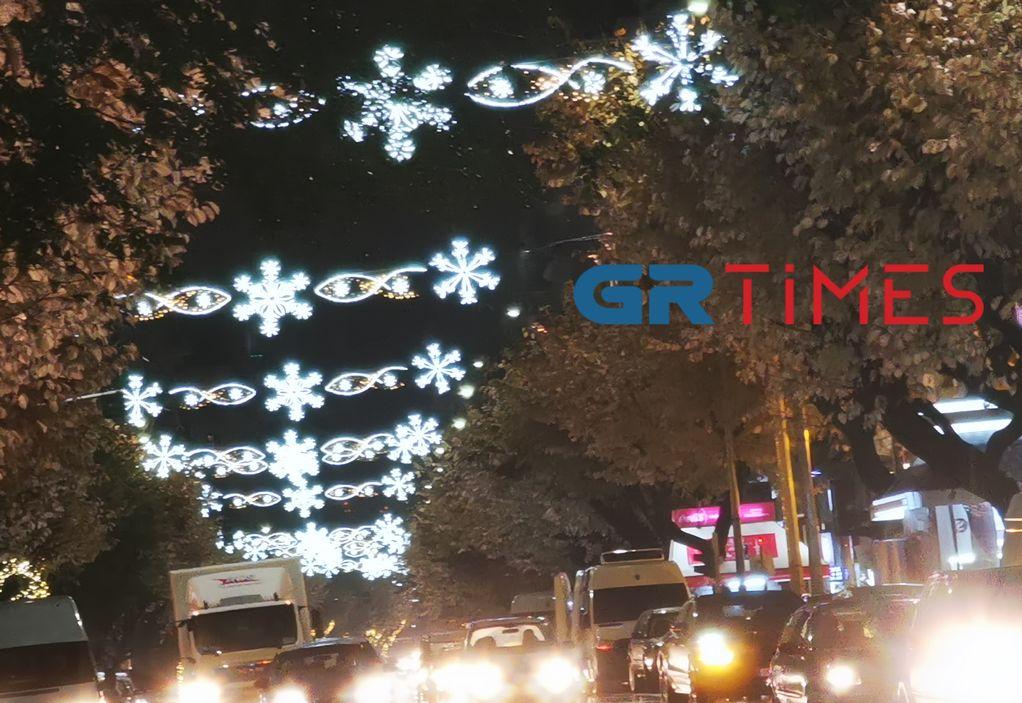 Θεσσαλονίκη: Με χριστουγεννιάτικο φωτισμό η Τσιμισκή (ΦΩΤΟ)