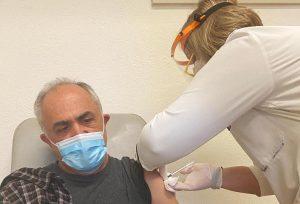 Πώς ξεκίνησε ο εμβολιασμός στα περιφερειακά νοσοκομεία της χώρας