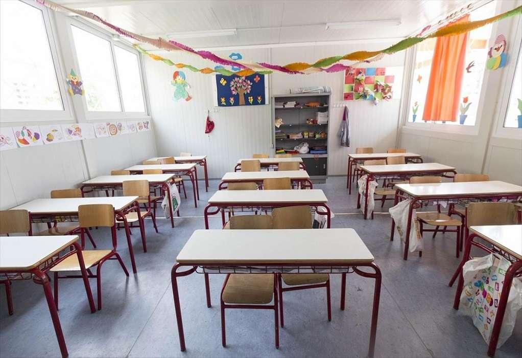 Σ. Δανιηλίδης: Έχουμε μοιράσει laptop στα παιδιά για να συνεχίσουν με τηλεκπαίδευση
