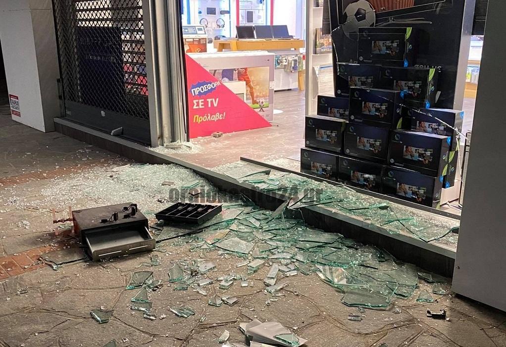 Διέρρηξαν κατάστημα κινητής τηλεφωνίας στο Ωραιόκαστρο