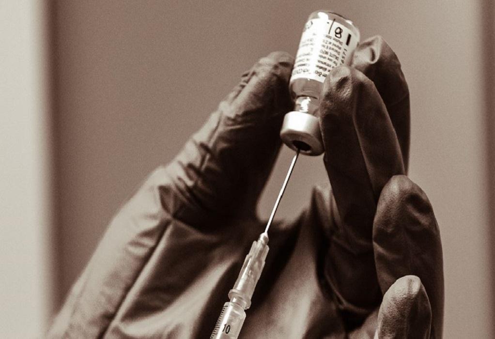 Εμβόλια: Άγνωστο αν καλύπτουν τη «νοτιοαφρικανική» μετάλλαξη κορωνοϊού