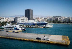 Συναγερμός στον Πειραιά: Νεκρός άνδρας στο λιμάνι