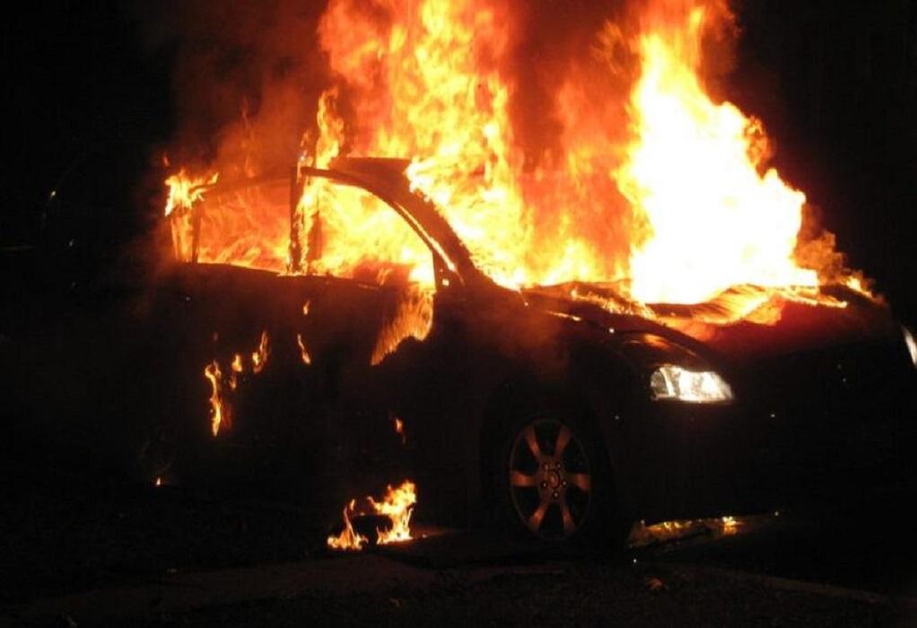 Πυρκαγιά τα ξημερώματα σε σταθμευμένο όχημα στην Ευκαρπία
