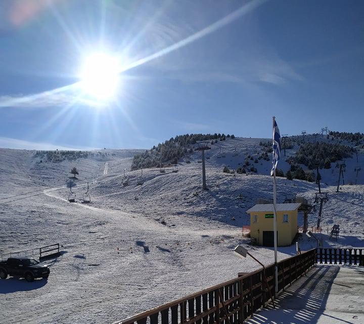 Χιονοδρομικά κέντρα: Με χιόνι αλλά δίχως κόσμο – Θα ανοίξουν;