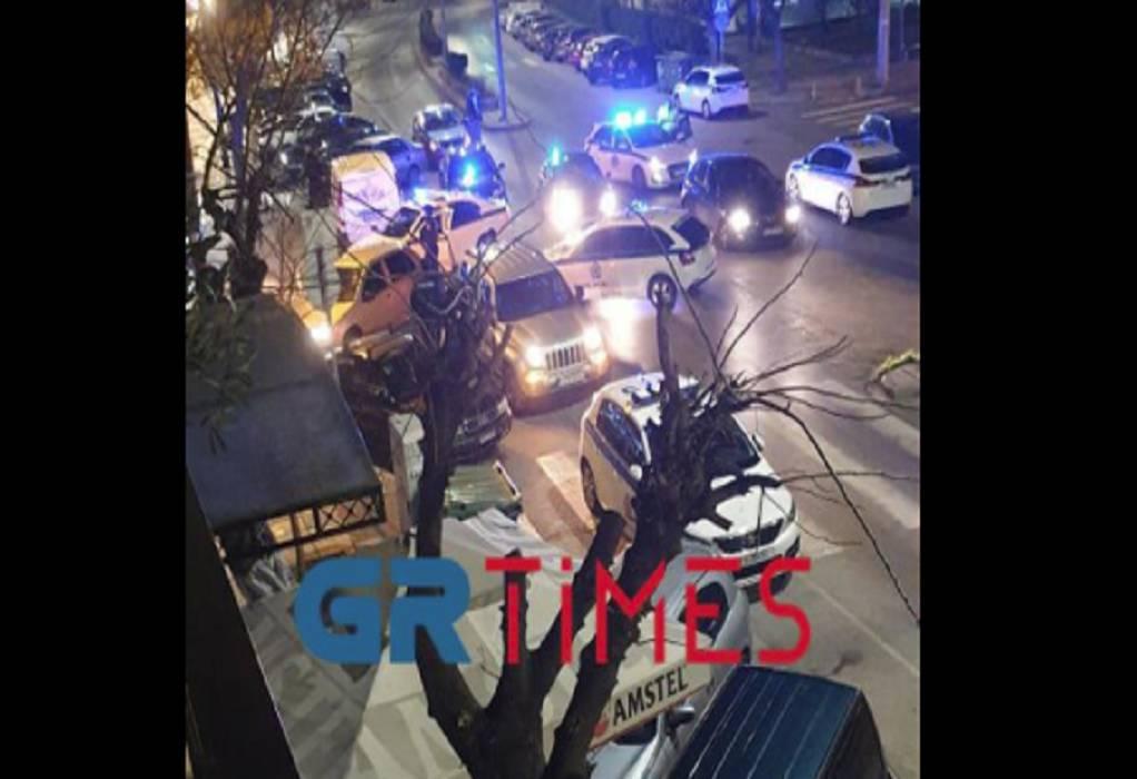 Θεσσαλονίκη: «Μπούκαρε» με όπλο σε ψιλικατζίδικο για να πάρει τσιγάρα