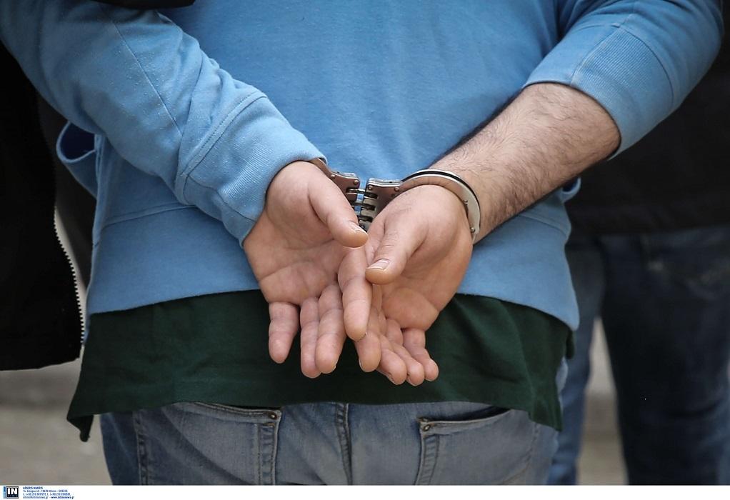 Συνελήφθη φυγόποινος που εξαπατούσε συστηματικά ηλικιωμένους