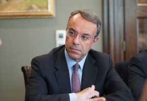 X. Σταϊκούρας: Στα 2,4 δις. ευρώ μηνιαίως, το κόστος των περιοριστικών μέτρων