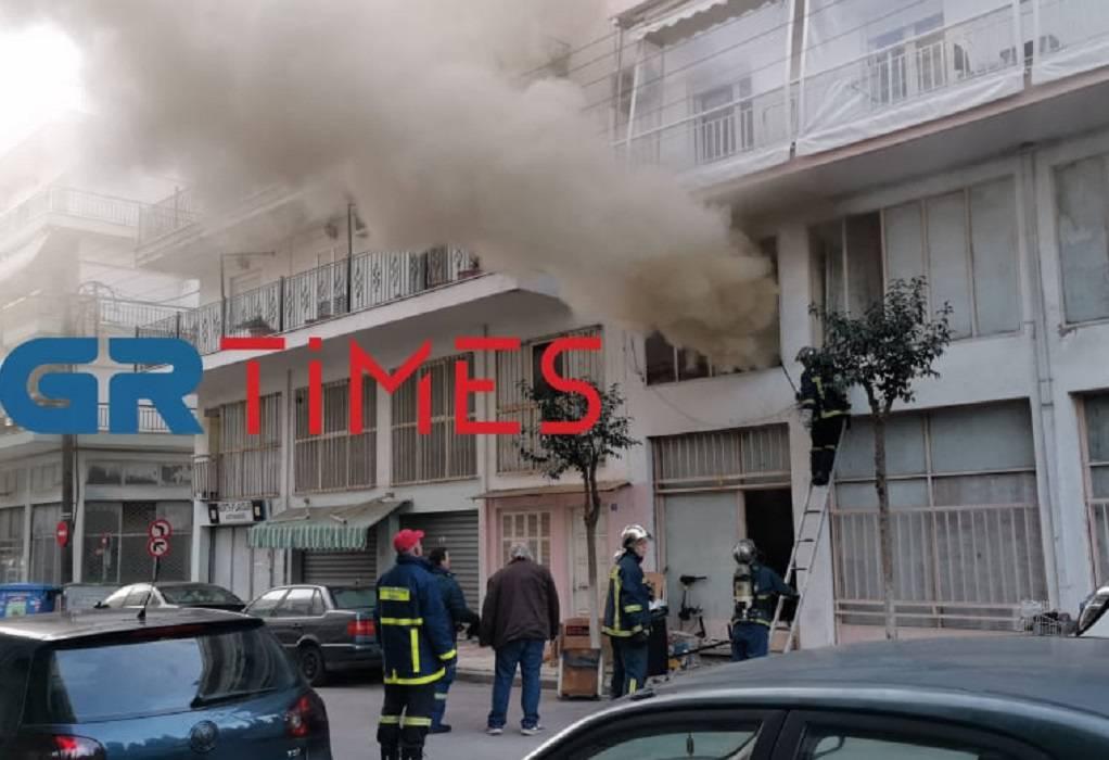 Θεσσαλονίκη: Φωτιά σε αποθήκη ρουχισμού (ΦΩΤΟ+VIDEO)