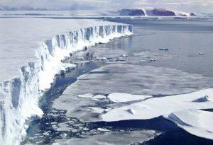 Επιστήμονες εκπέμπουν SOS για το λιώσιμο πάγων