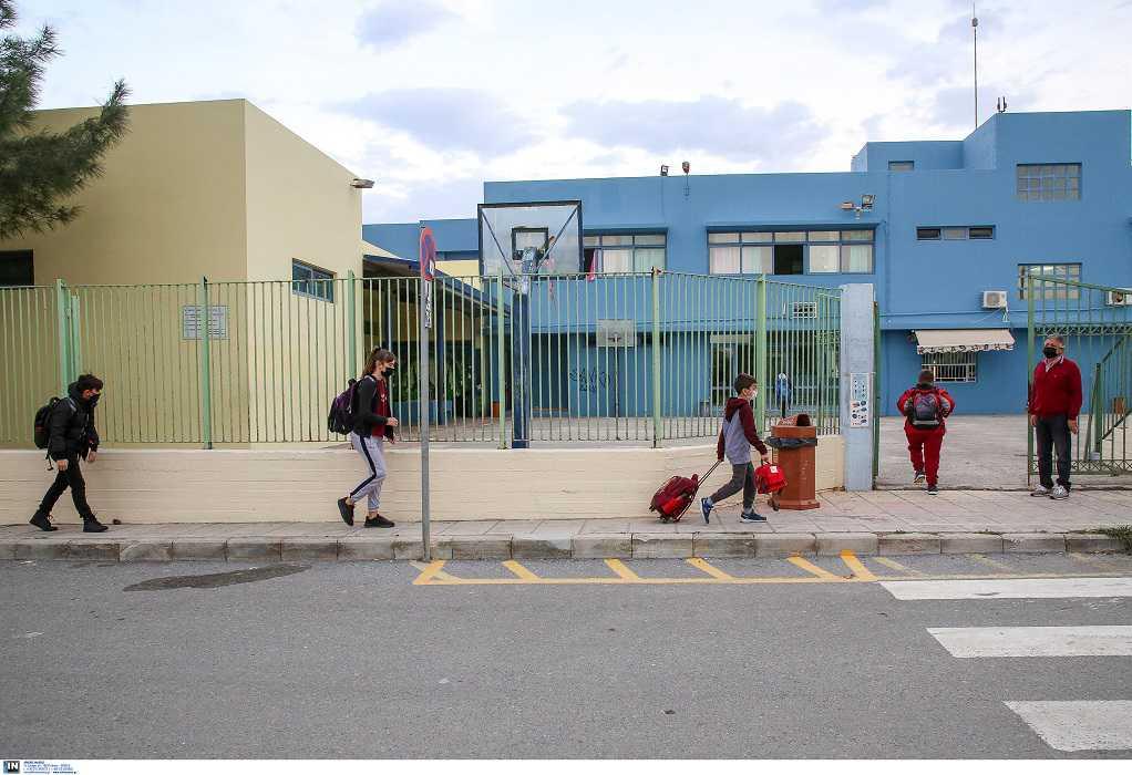 Σύψας: Δεν αποκλείεται να κλείσουν ξανά τα σχολεία – Κάθε βδομάδα οι αποφάσεις