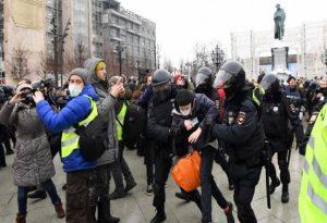 Ρωσία: Πάνω από 2.000 οι συλλήψεις στις διαδηλώσεις υπέρ του Α. Ναβάλνι