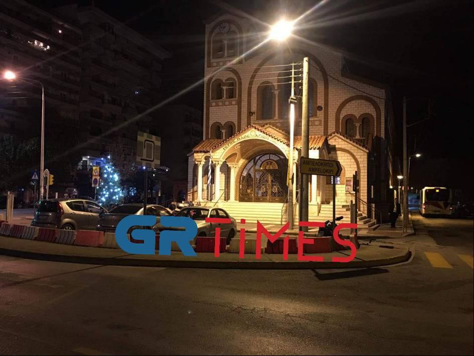 Θεσσαλονίκη: Από τα ξημερώματα στις εκκλησίες για τον αγιασμό, φωτογραφία-5