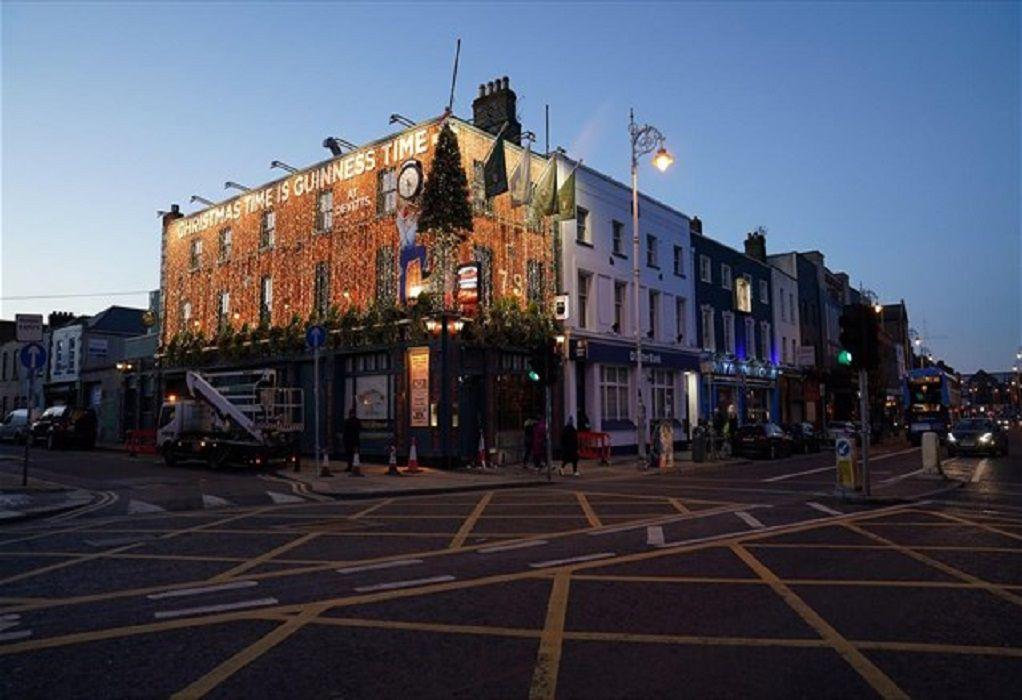 Ιρλανδία: Η αύξηση κρουσμάτων οφείλεται στις συναναστροφές κι όχι στη μετάλλαξη