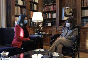 Συνάντηση Σακελλαροπούλου – Κεραμέως για σχολεία και ανώτατη εκπαίδευση