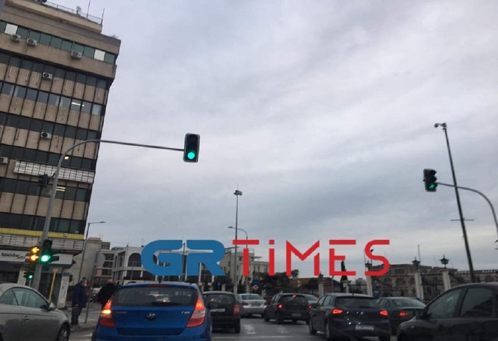 Αυξημένη η κίνηση στο κέντρο της Θεσσαλονίκης (ΦΩΤΟ)