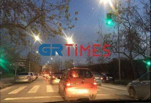 Ποιο lockdown? Μποτιλιάρισμα σε κεντρική οδό της Θεσσαλονίκης (ΦΩΤΟ)
