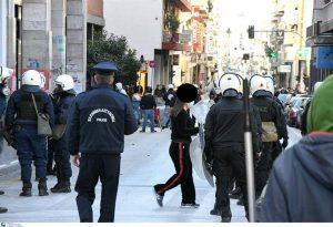 Τρεις συλλήψεις για τα επεισόδια στο κέντρο της Πάτρας