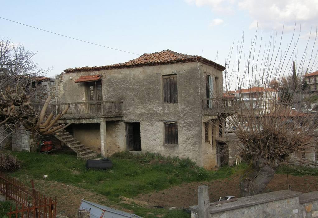 ΥΠΠΟ: Μνημείο το σπίτι που γεννήθηκε ο Νίκος Γκάτσος