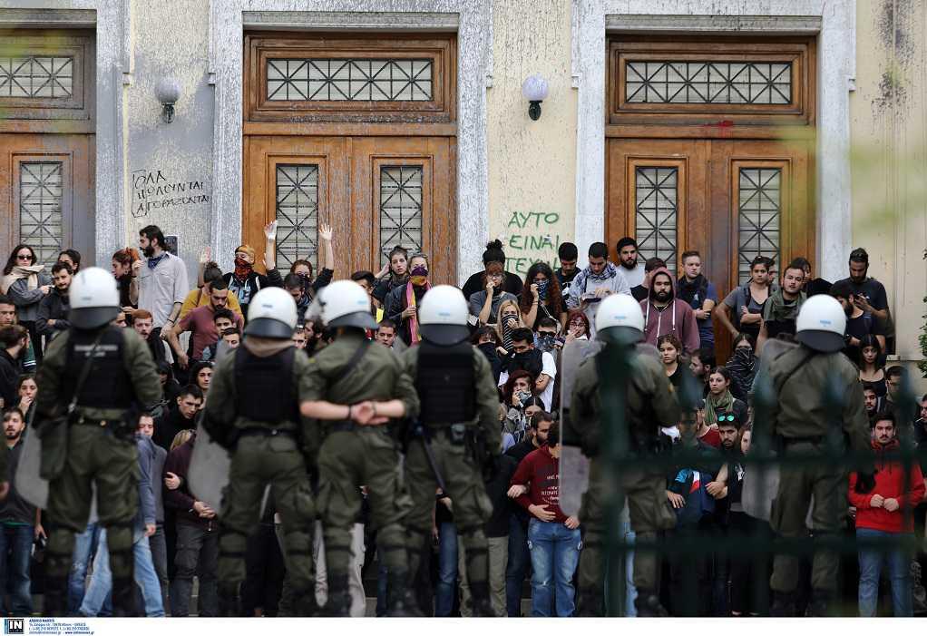 Παιδεία: Οι 3 αλλαγές για την εισαγωγή στα ΑΕΙ- 1.000 αστυνομικοί στα πανεπιστήμια