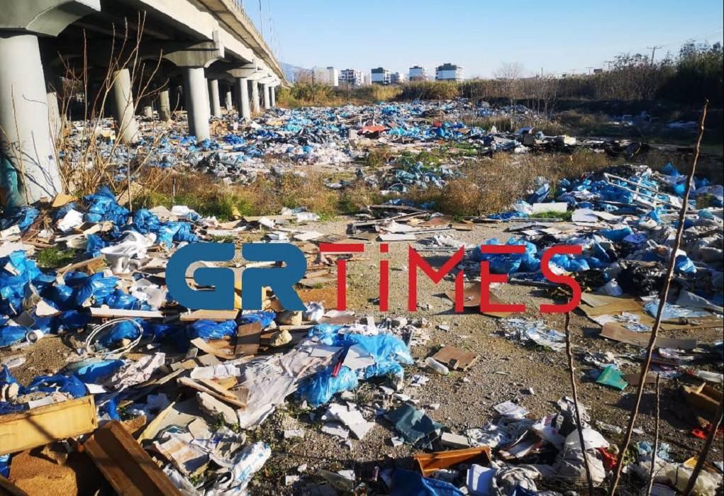 """Θεσσαλονίκη: Παράνομη χωματερή """"ντροπή"""" στη Δυτική είσοδο(ΦΩΤΟ-VIDEO)"""