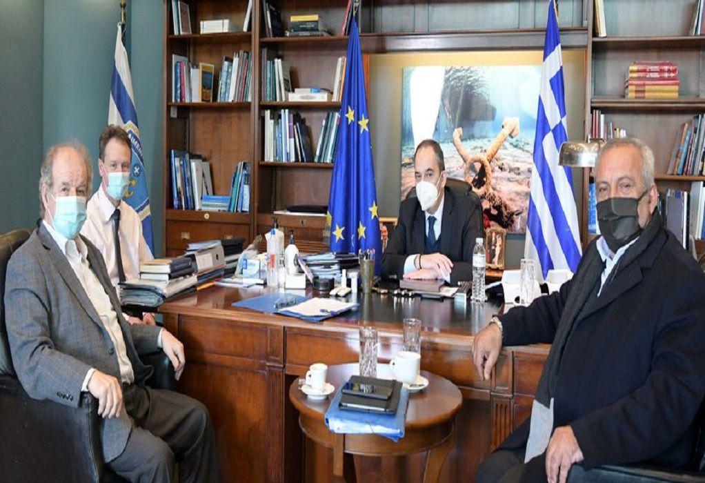 Συνάντηση Πλακιωτάκη με τη νέα διοίκηση του Οίκου Ναύτου
