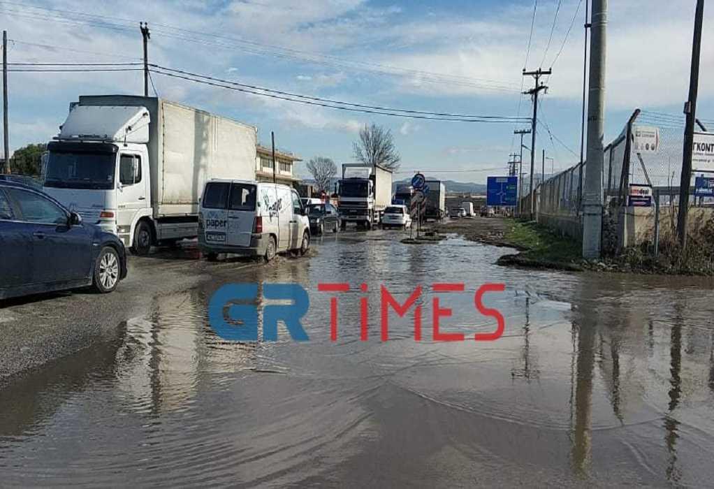 Θεσσαλονίκη: Πλημμύρισαν δρόμοι στη Λαχαναγορά (ΦΩΤΟ+VIDEO), φωτογραφία-1