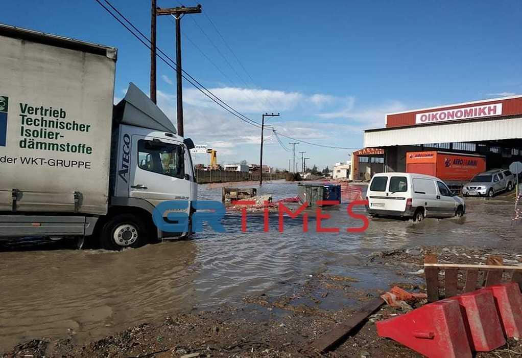 Θεσσαλονίκη: Πλημμύρισαν δρόμοι στη Λαχαναγορά (ΦΩΤΟ+VIDEO), φωτογραφία-5