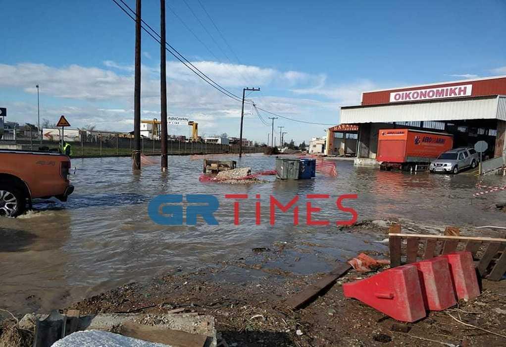 Θεσσαλονίκη: Πλημμύρισαν δρόμοι στη Λαχαναγορά (ΦΩΤΟ+VIDEO), φωτογραφία-4