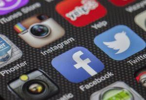 Focus Bari: Η αυξημένη χρήση των social media αυξάνει τη μοναξιά και φέρνει κατάθλιψη