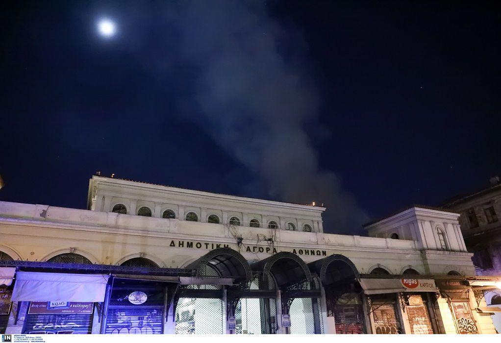 Φωτιά σε γραφεία πάνω από τη Βαρβάκειο αγορά