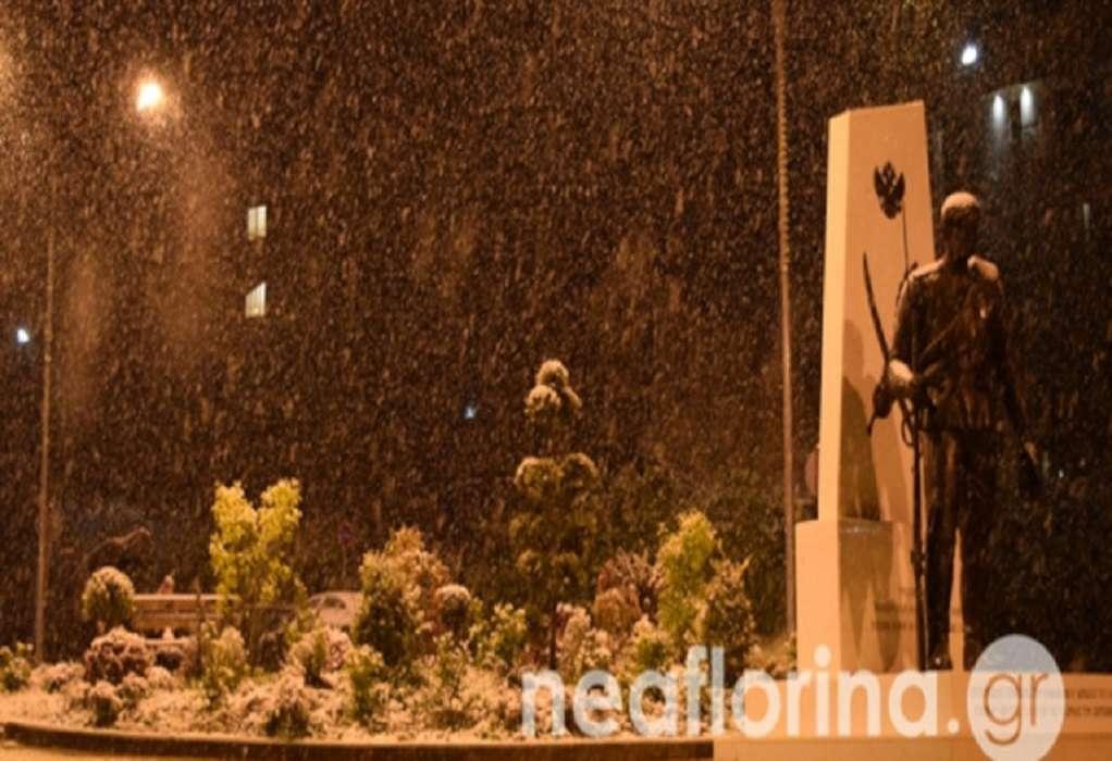 Έπεσαν τα πρώτα χιόνια στη Φλώρινα -Κλειστά τα σχολεία (ΦΩΤΟ-VIDEO)