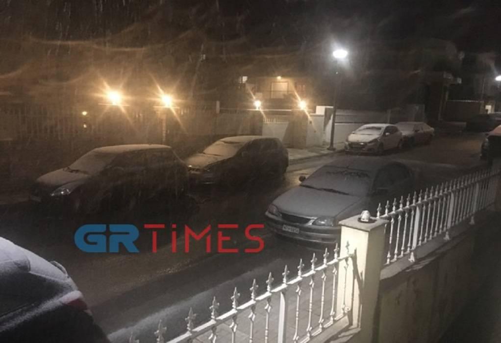 Έπεσαν οι πρώτες νιφάδες στο Ωραιόκαστρο (ΦΩΤΟ-VIDEO)