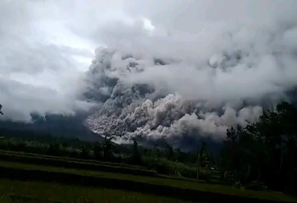 Ινδονησία: Έκρηξη του ηφαιστείου Σεμέρου (VIDEO)