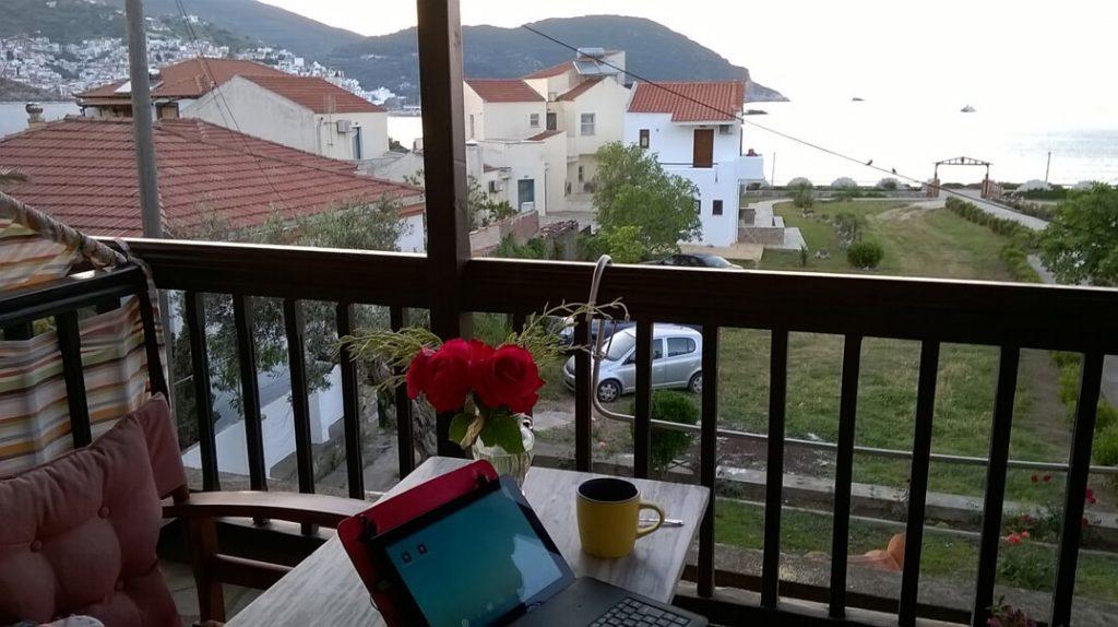 Ψηφιακοί νομάδες και εργασία εξ αποστάσεως: Η νέα τάση που κερδίζει έδαφος στον τουρισμό