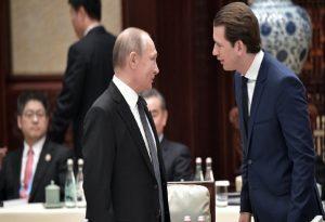 Επικοινωνία Κουρτς – Πούτιν για την προμήθεια του Sputnik-V
