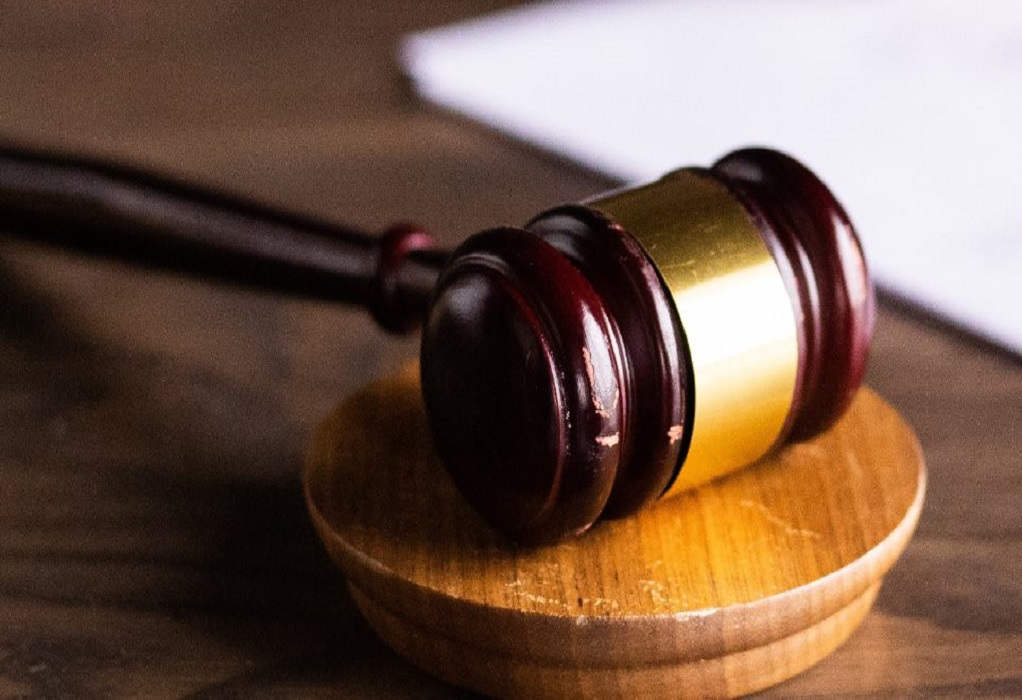 Διαφωνία της Ένωσης Δικαστών και Εισαγγελέων για τη διεύρυνση του πλαισίου λειτουργίας των δικαστηρίων
