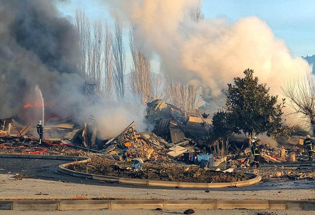 Καστοριά: Σε εξέλιξη οι έρευνες για την έκρηξη που ισοπέδωσε το ξενοδοχείο