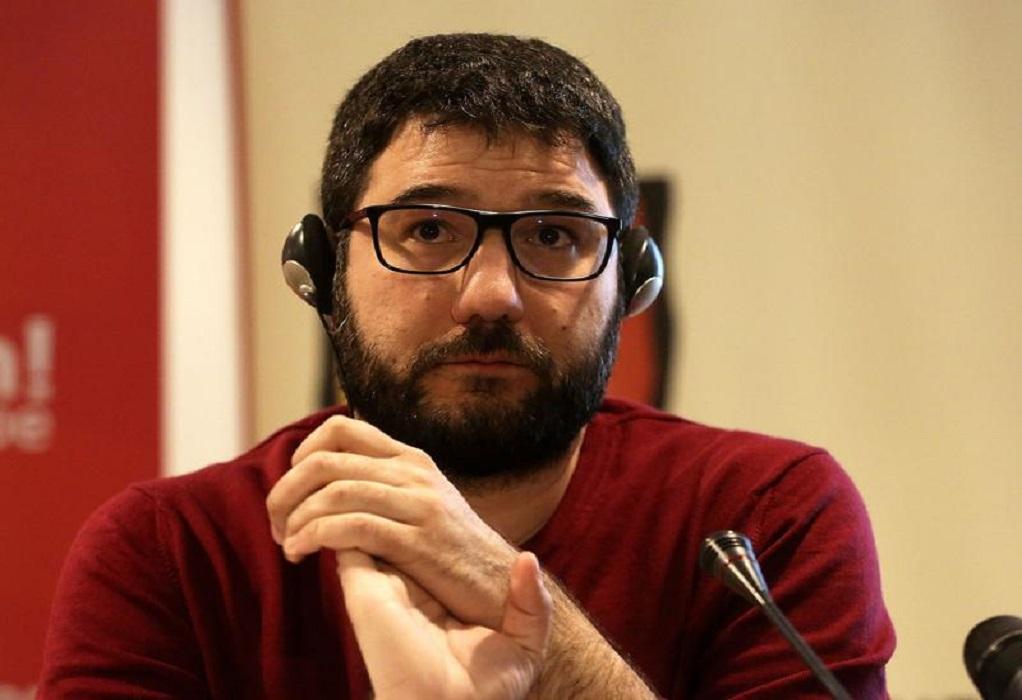 Ηλιόπουλος: ο κ. Χρυσοχοΐδης δεν είναι απλά ανίκανος, είναι επικίνδυνος για τη Δημοκρατία