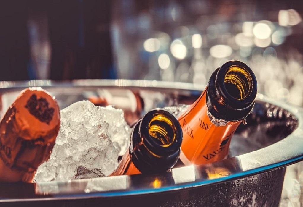 Κορωνοϊός: Πώς να κάνετε ένα… νόμιμο πάρτι