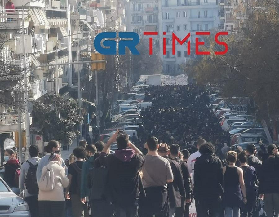 Νέα πορεία για τα ΑΕΙ στο κέντρο της Θεσσαλονίκης (ΦΩΤΟ+VIDEO)