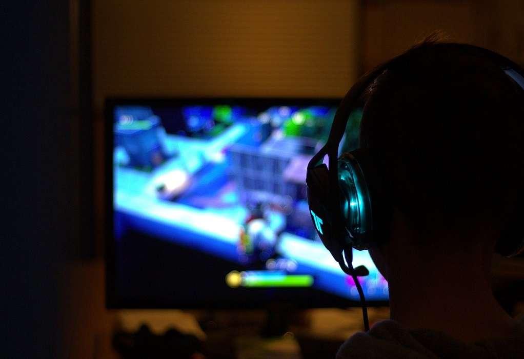 """Πως η Κίνα """"μπλοκάρει"""" το βραδινό gaming στα παιδιά"""