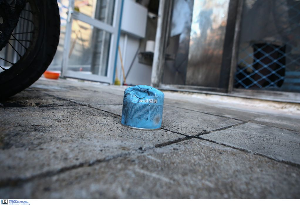Επίθεση με γκαζάκια σε είσοδο πολυκατοικίας στη Θεσσαλονίκη