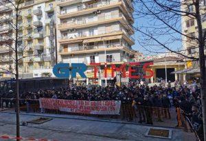 Θεσσαλονίκη: Στα Δικαστήρια έφτασε η πορεία των φοιτητών (ΦΩΤΟ-VIDEO)