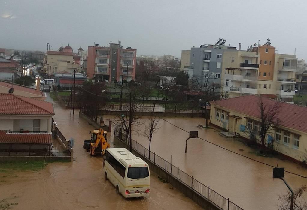 Αλεξανδρούπολη: Μαθητές παραμένουν στα σχολεία τους μέχρι να υποχωρήσουν τα νερά