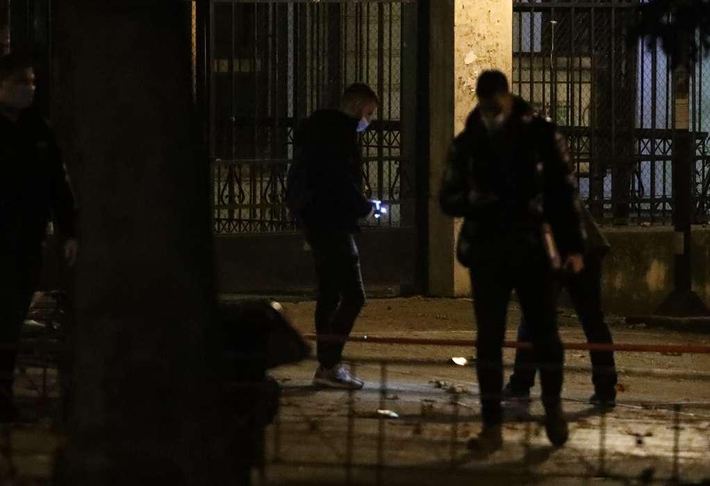 Μικρή έκρηξη αυτοσχέδιου μηχανισμού έξω από τα δικαστήρια της Ευελπίδων